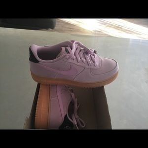 New Men's Nike Air Force 1 LV8 Style size 7Y